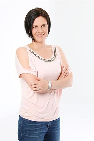 Dr Amanda Madden